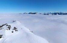 La Montagne d'Hirmentaz comme une île sur une mer de nuages – Vue du ciel 360 – 012018